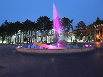 fotka fontána v areálu fotbalový kemp