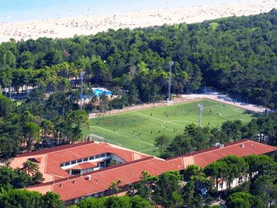 fotka areálu s pláží fotbalový kemp